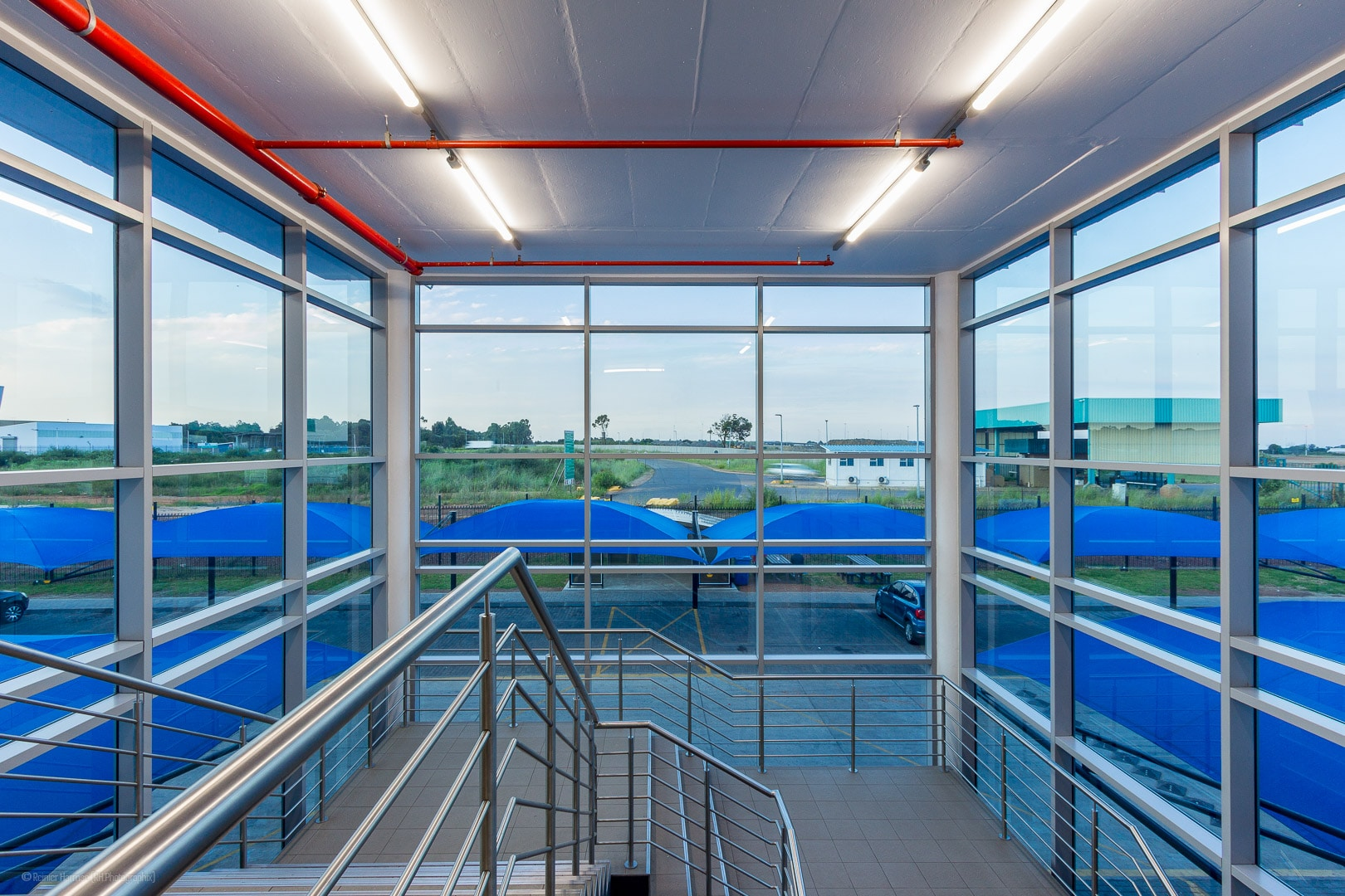 RHPX_Portfolio_Airport In2Food Interior-15