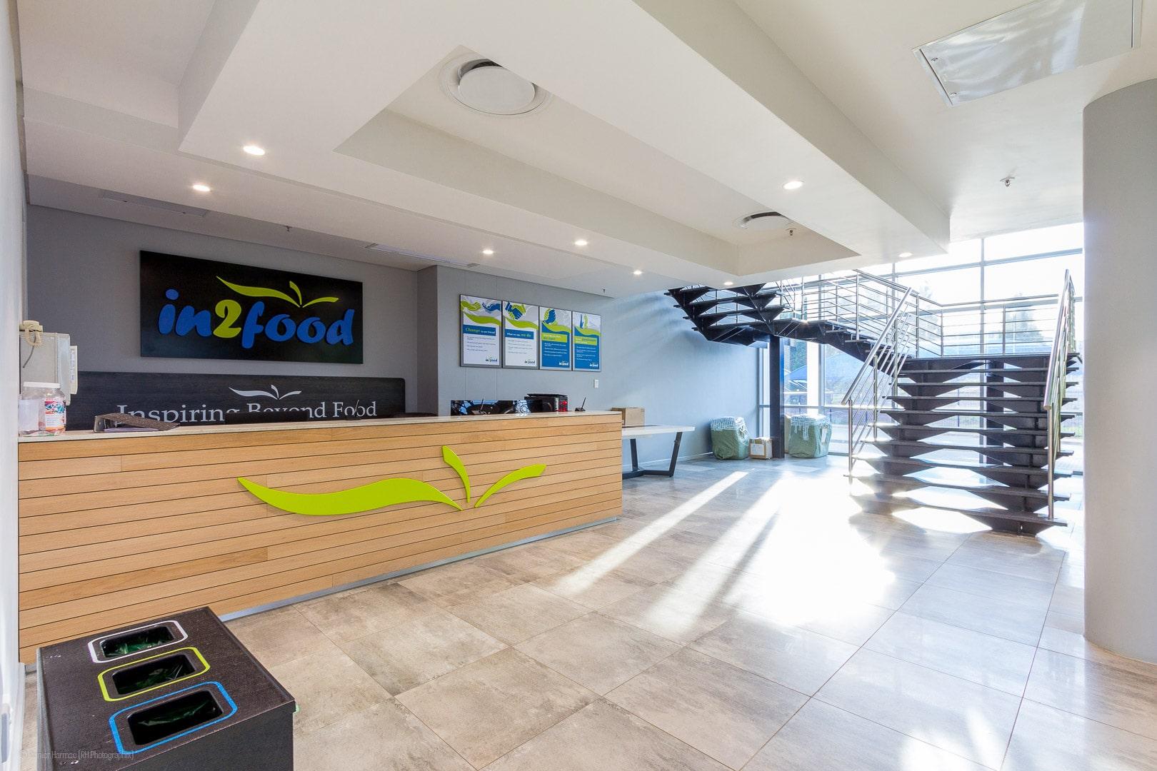 RHPX_Portfolio_Airport In2Food Interior-2