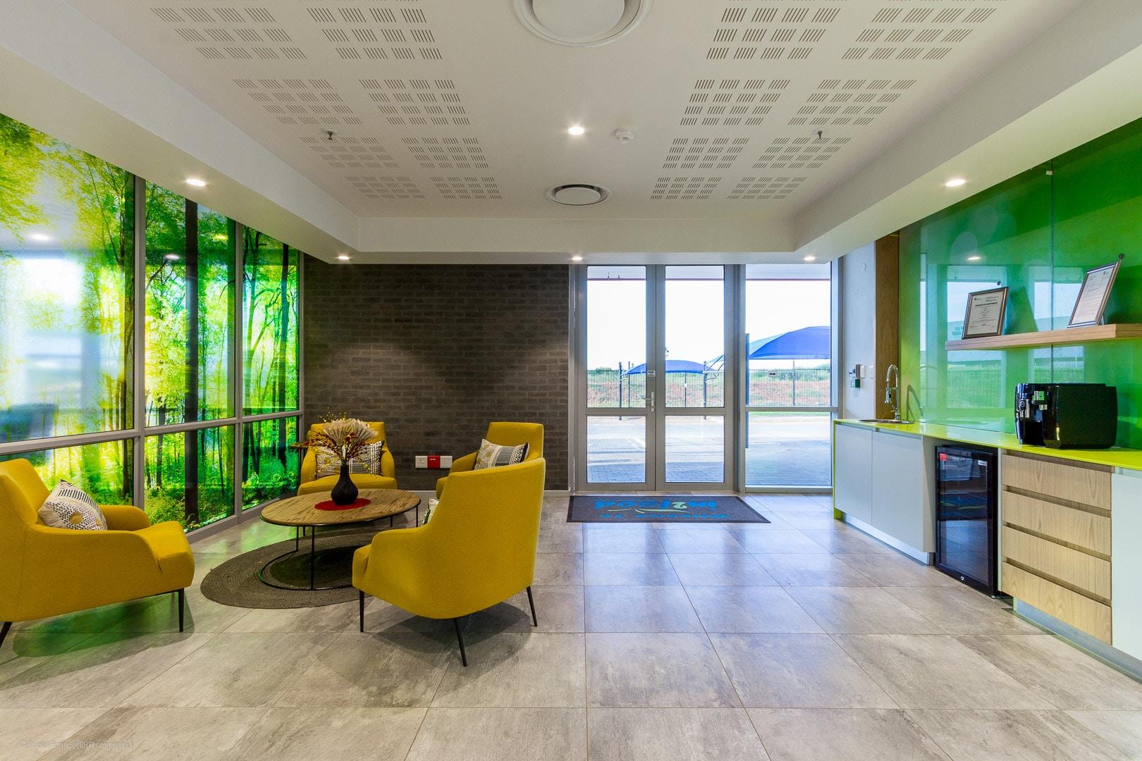 RHPX_Portfolio_Airport In2Food Interior-3