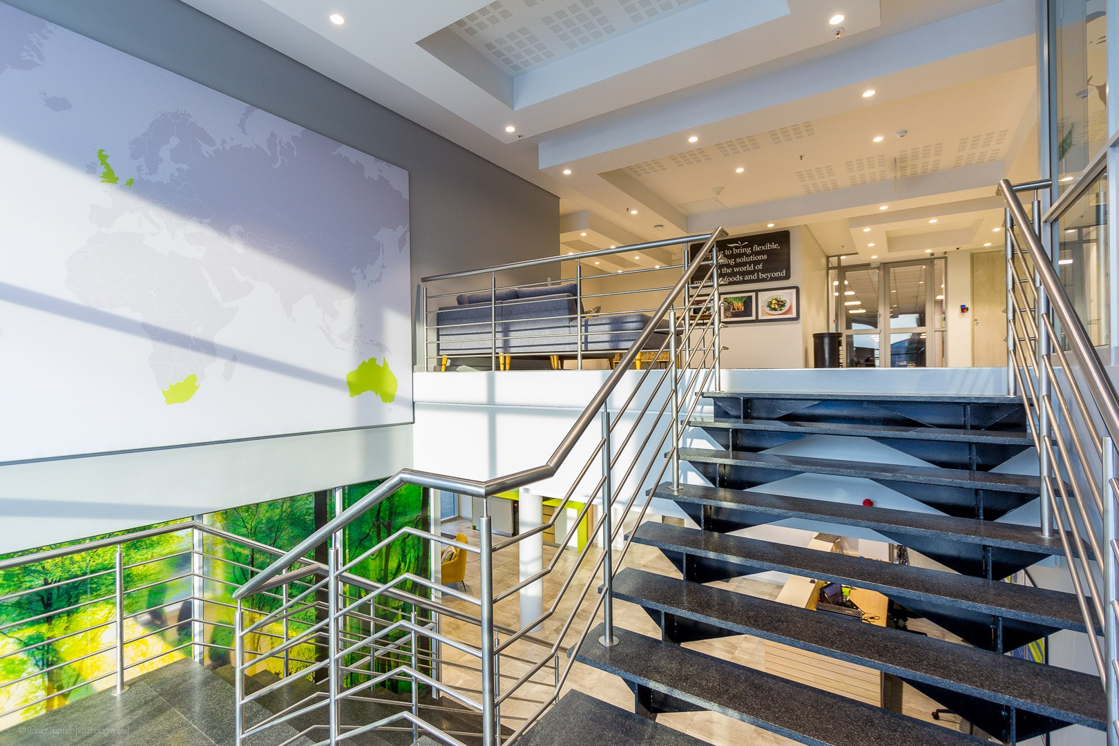 RHPX_Portfolio_Airport In2Food Interior-6