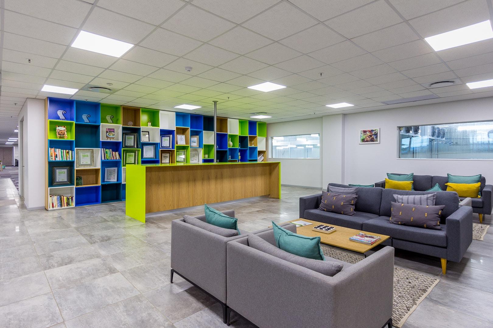 RHPX_Portfolio_Airport In2Food Interior-9