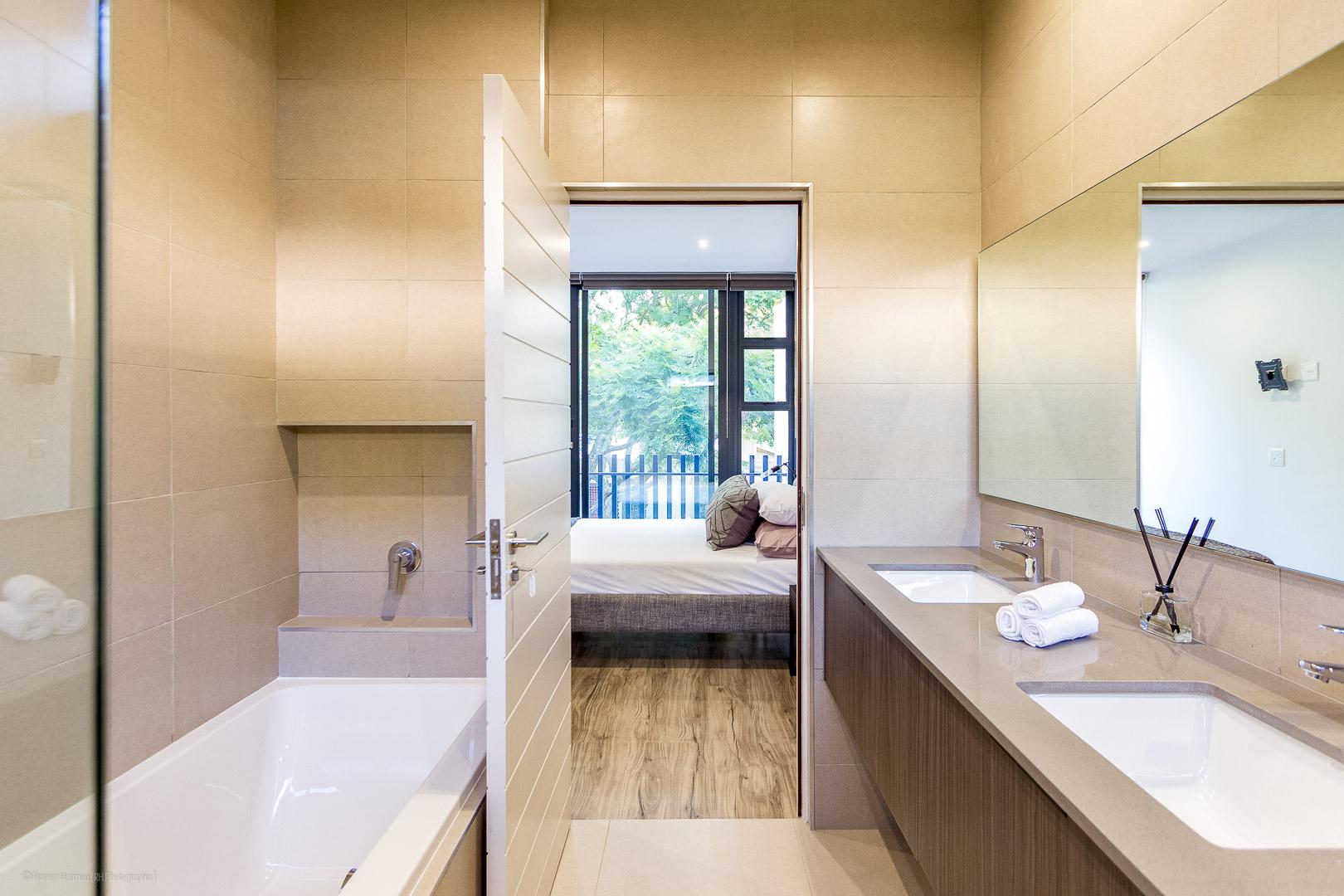 RHPX_Portfolio_Melrose Living Interior-5