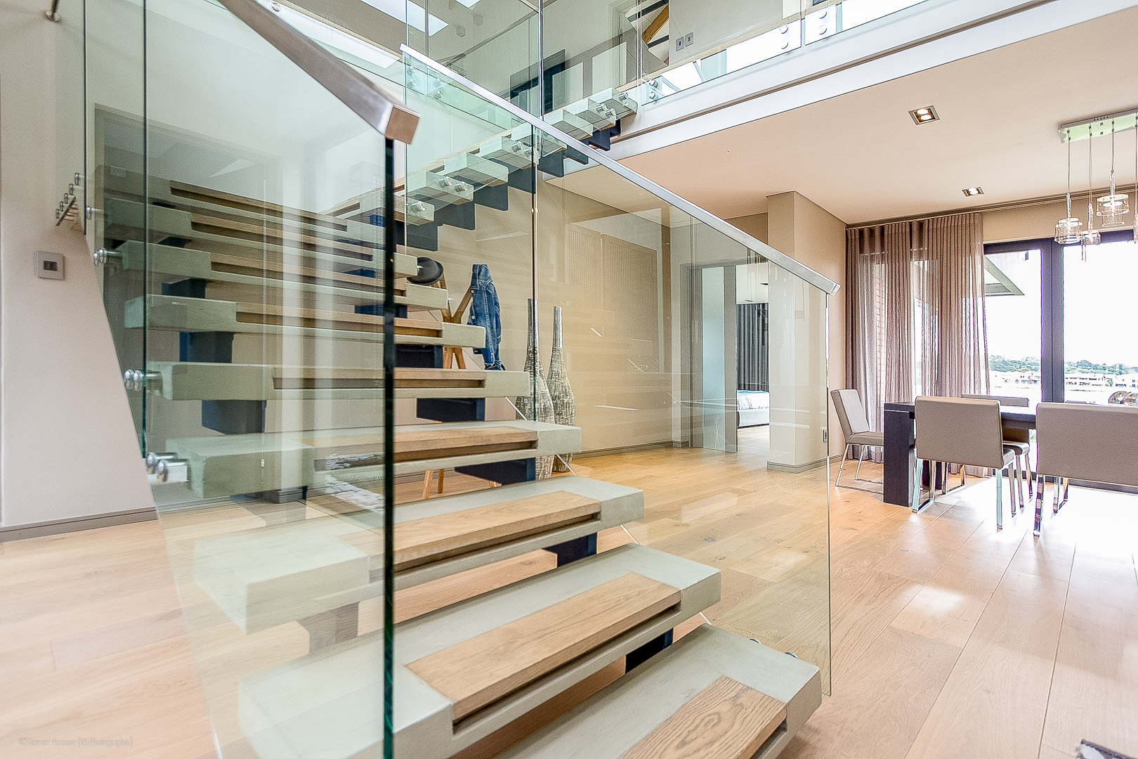 RHPX_Portfolio_Waterside Residence Int-2