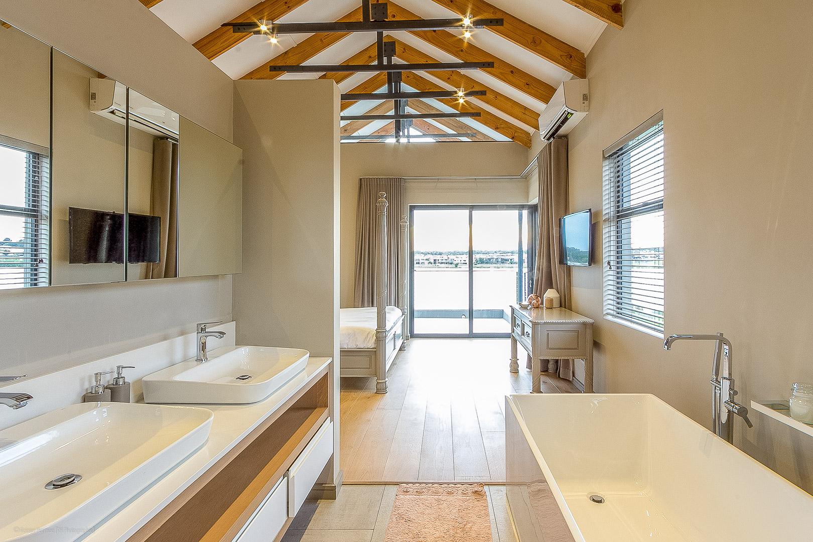 RHPX_Portfolio_Waterside Residence Int-7